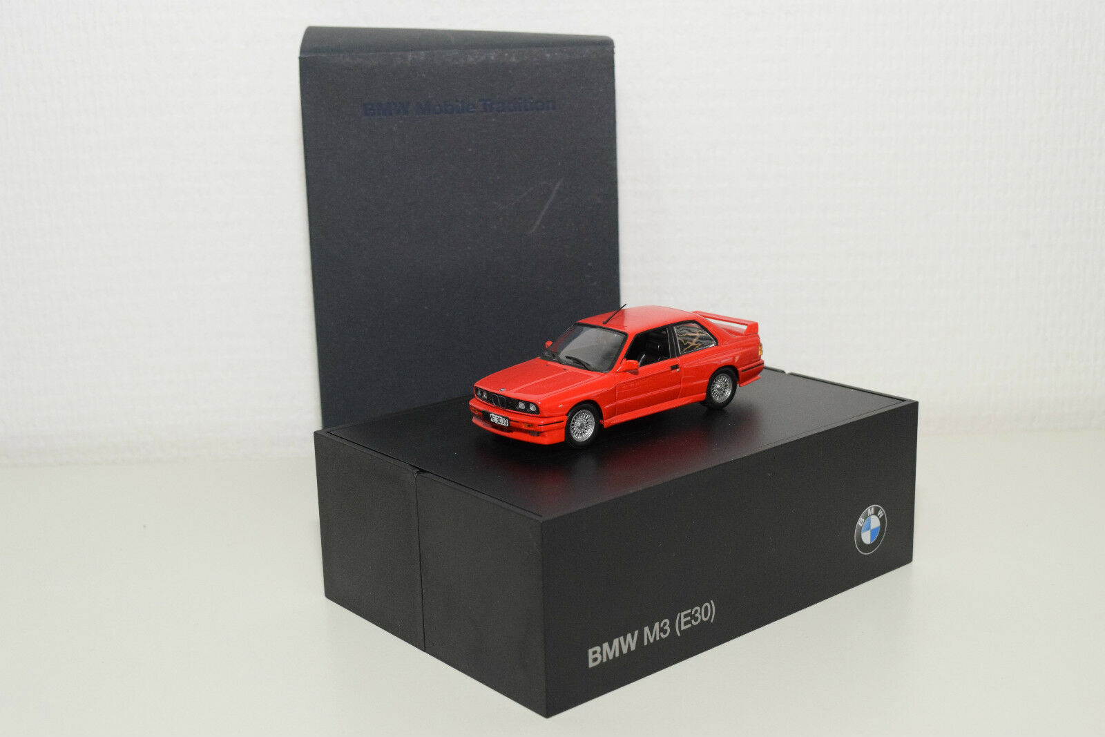 MINICHAMPS BMW 3ER 3 SERIES M3 E30 rosso MINT DEALER BOXED