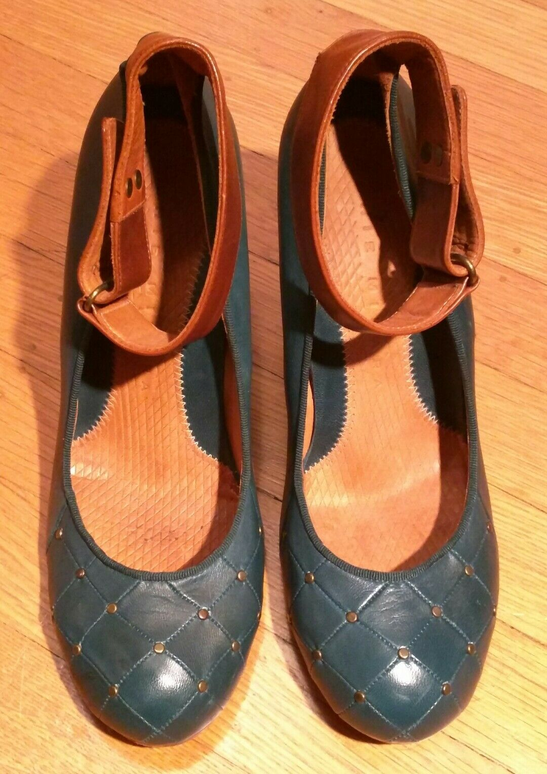 CHIE TEAL MIHARA ANTHROPOLOGIE TEAL CHIE STUDDED LEATHER ANKLE STRAP PUMPS 41 SHOES HEELS 6805b7
