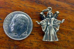 Vintage-sterling-silver-CHRISTMAS-ANGEL-WINGS-RELIGIOUS-3D-PENDANT-charm