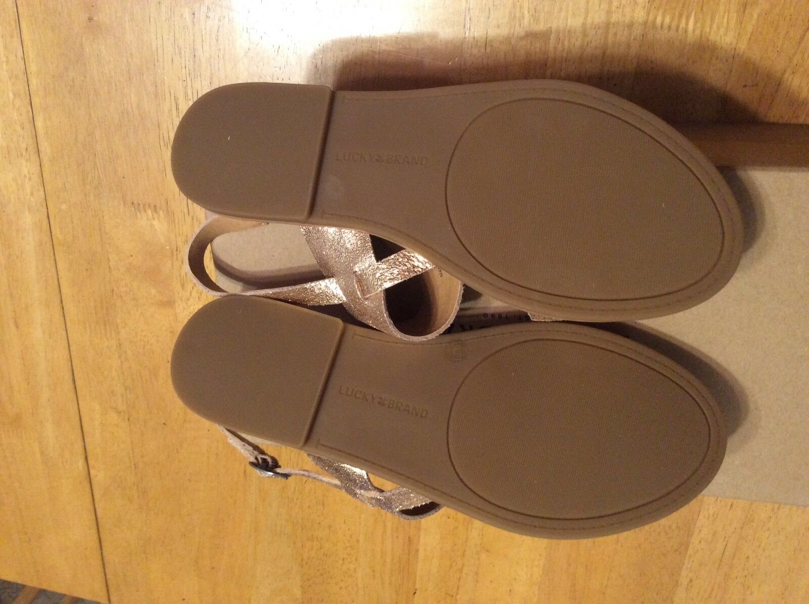 New LUCKY BRAND Avenu Blush Rose Gold 7.5 Crinkle LEATHER Sandales Schuhe 7.5 Gold or 7 1/2 e4c02d