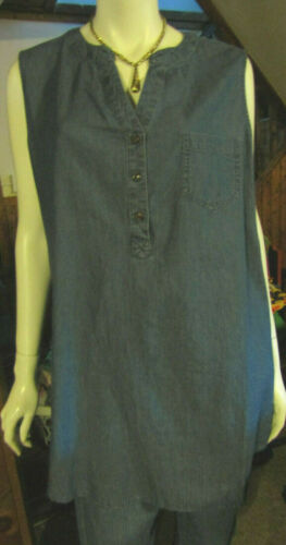 SIMPLY EMMA PLUS WOMANS 2X SLEEVLESS CHAMBRAY BLUE TUNIC SUMMER TOP NWT