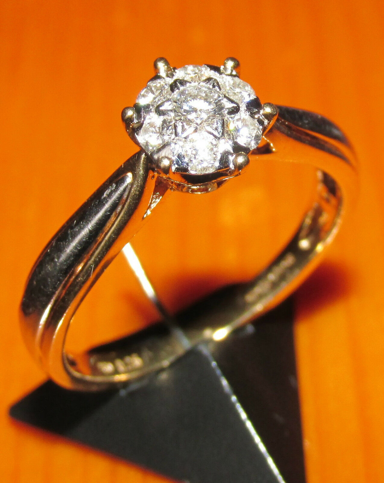 SECONDHAND 18ct YELLOW & WHITE gold 0.26ct DIAMOND CLUSTER RING SIZE N