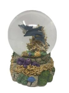 National-Geographic-Dolphin-Water-Globe-San-Francisco-Music-Box-Co-Glitter-Sea