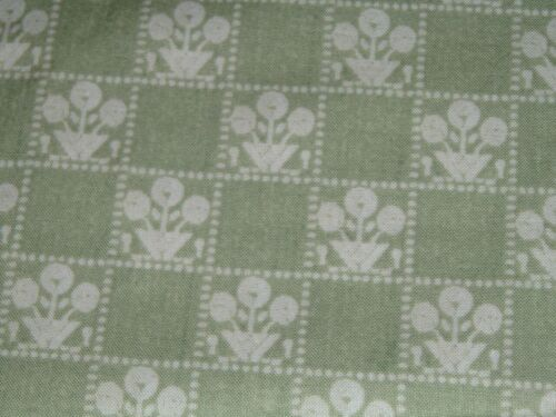 Vtg 80s Small Deco Flower Baskets On Sage Green Doll Quilt Fabric 36x43 ff468