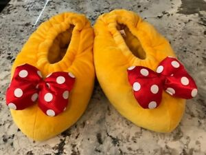 83f1ab8271d Disney Parks Minnie Mouse Plush Adult Slippers - Size Medium - New ...