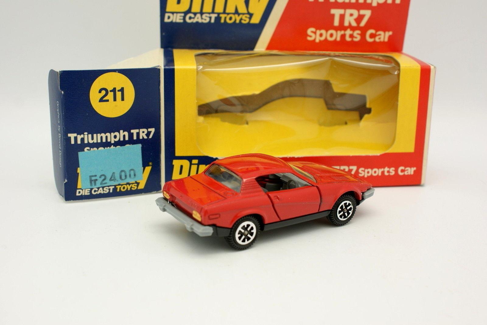 Dinky Toys GB 1 1 1 43 - Triumph TR7 Red 211 9eb232