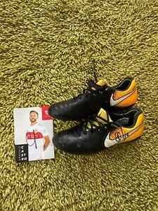 Handsignierte und getragene Fußballschuhe von Gonzalo Castro VFB Stuttgart