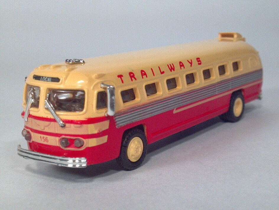 American Precision Models APM SP108 1 87 4.5  Trailways 156 Flxible Clipper Bus