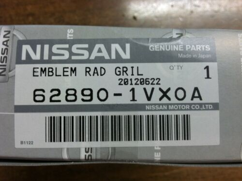 NEW OEM NISSAN ROGUE 2012-2013 FRONT GRILLE EMBLEM WITH FRONT FACING CAMERA
