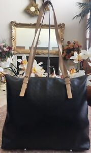 56471c150438 ARCADIA Large Signature Black & Tan Leather Tote Shoulder Bag.EUC ...