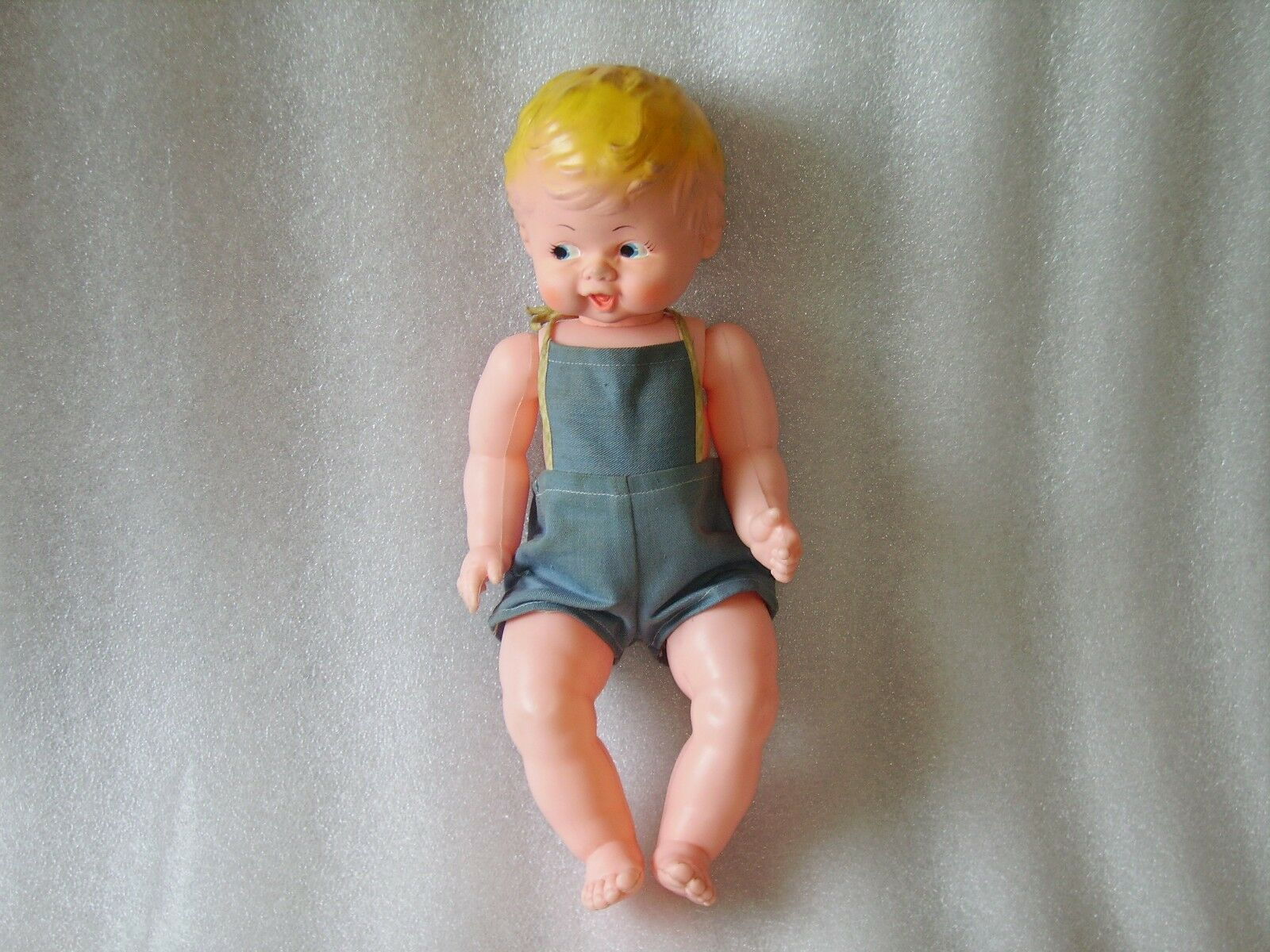 VINTAGE CUTE PLASTIC AND RUBBER BABY DOLL