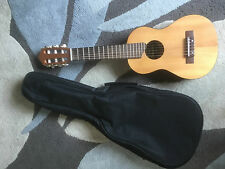 YAMAHA Guitalele nylon string. Excellent condition. hardly used. C&P £7.95