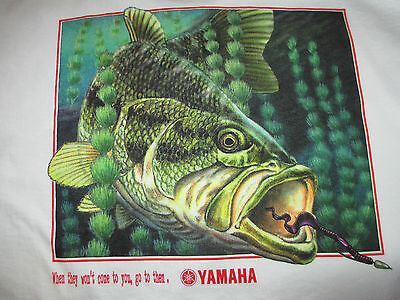New Authentic Yamaha White Short Sleeve Tee Shirt Bass with the Oldie Lures