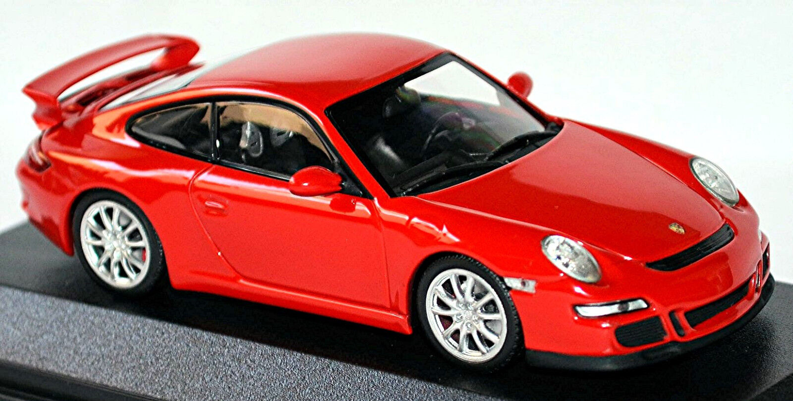 Porsche 911 GT3 Type 997 Coupe 2006-08 Indian Red Red 1 43 Minichamps
