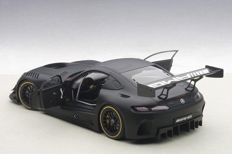 Autoart Mercedes Benz AMG GT3 Llano cuerpo compuesto nero Mate 1 18 en la acción
