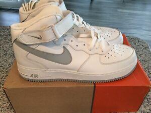 695b86f5 Classic Nike Air Force One Mid