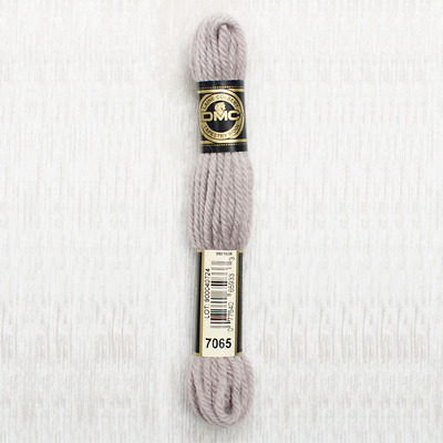 Colour 7147 DARK SHELL PINK 8m SKEIN DMC Tapestry Wool