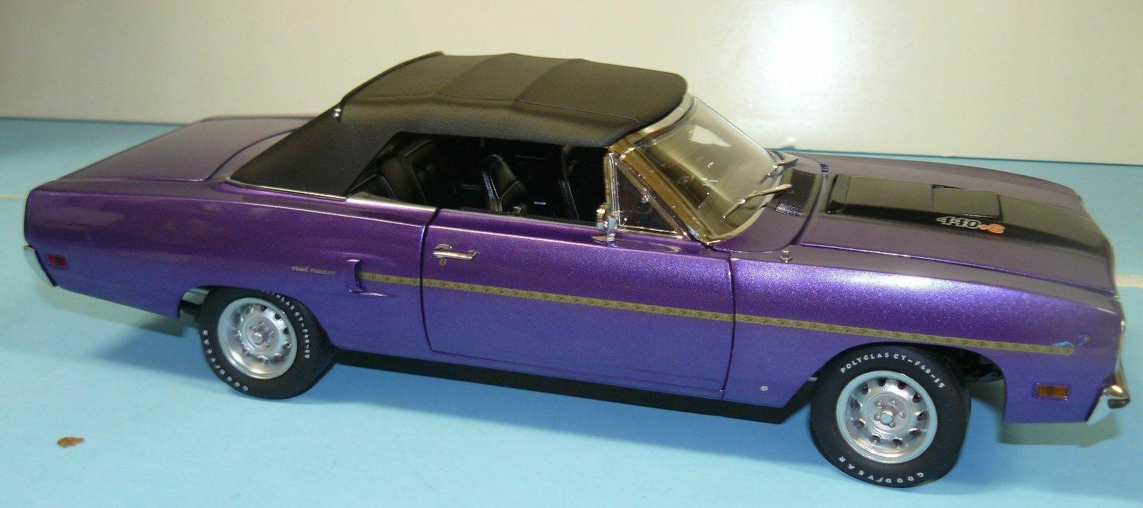 1 18 Acme, 1970 Plymouth Road Runner converdeible, 1 de 252, Plum Crazy con B