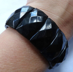 antique Victorian pressed horn faceted bead mourning bracelet jet black K781 - <span itemprop='availableAtOrFrom'>Yorkshire, United Kingdom</span> - FOR RETURNS please notify me within 7 DAYS of receipt using e-bay messaging. BUY IT NOW - items may be returned within 14 days of receipt. The 'buy it now price' will be refunded in ful - Yorkshire, United Kingdom