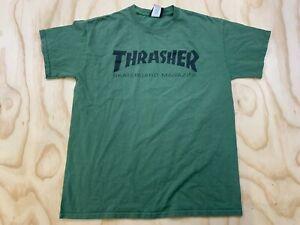 THRASHER SKATEBOARD MAGAZINE MEN MEDIUM GREEN LOGO SPELLOUT T-SHIRT EUC
