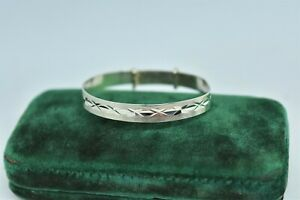 Vintage Sterling Silver Adjustable Childs Bracelet with Diamond cut design #P528