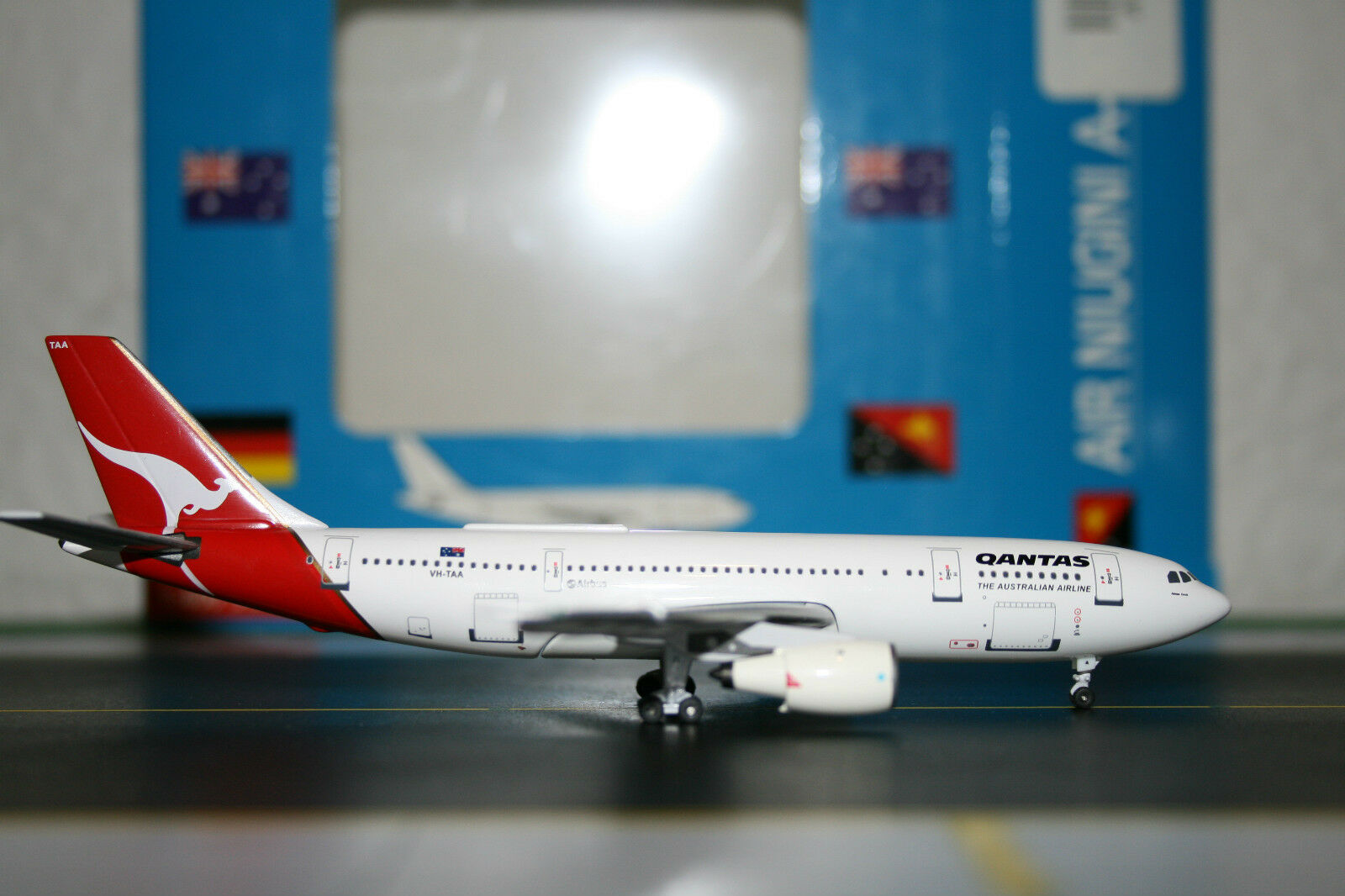 Aeroclassics 1 400 Qantas Airbus A300 VH-TAA (acvhtaa) Fundición Modelo de Avión
