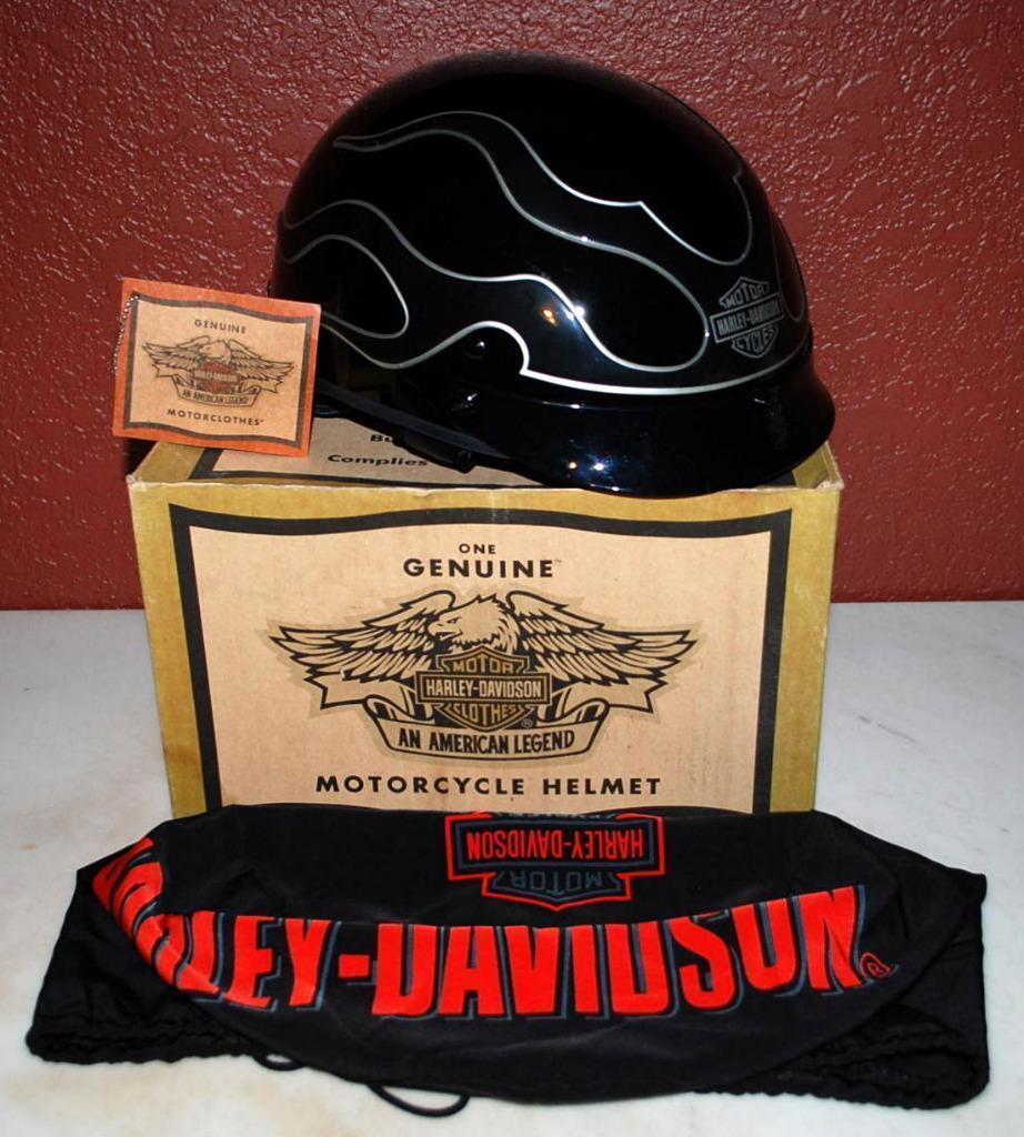 GENUINE HARLEY DAVIDSON DEFIANCE MOTORCYCLE HELMET SIZE MEDIUM  SS2  store online
