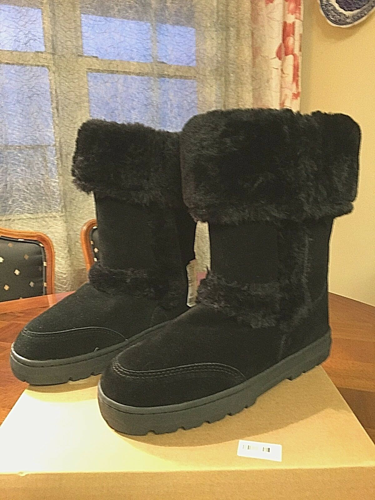 NEW Woman's Warm Genuine Suede Uppers, Faux Fur Linning Witty Black Booties 6M