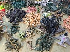 Huge Lot Of 540+ Pieces Of Military Men And Equipment