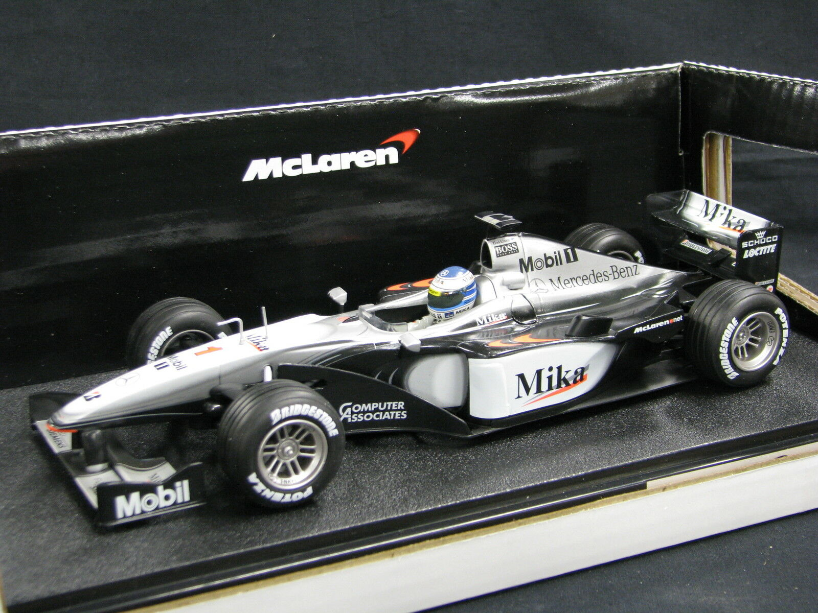 Hot Wheels McLaren Mercedes MP4 15 2000 1 18 Mika Hakkinen (FIN) (JS)