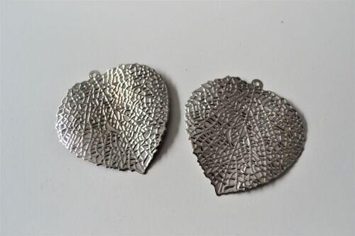Kit de 2 Lames Métal Feuilles pour pendre avec œillet argent 7 cm Streudeko Décoration de Table Feuille