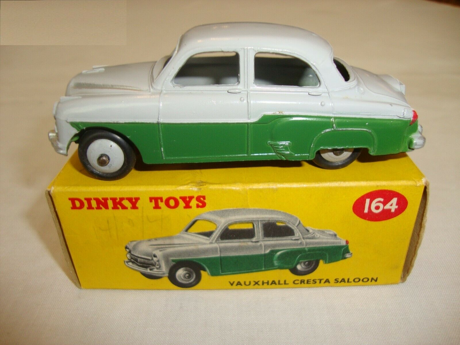 DINKY 164 VAUXHALL CRESTA SALOON - EXCELLENT in original BOX