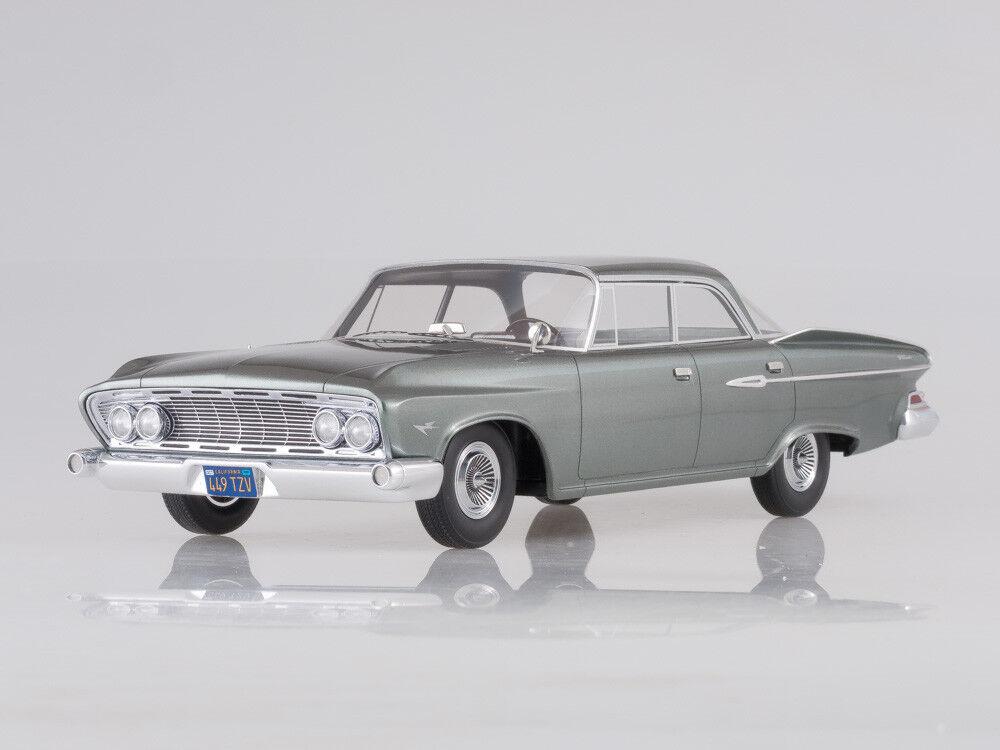 Scale model 1 18 Dodge Dart Phoenix, 1961