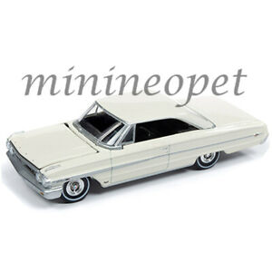 AUTOWORLD-AW64222-1964-FORD-GALAXIE-500-1-64-DIECAST-MODEL-CAR-CP7599-WHITE