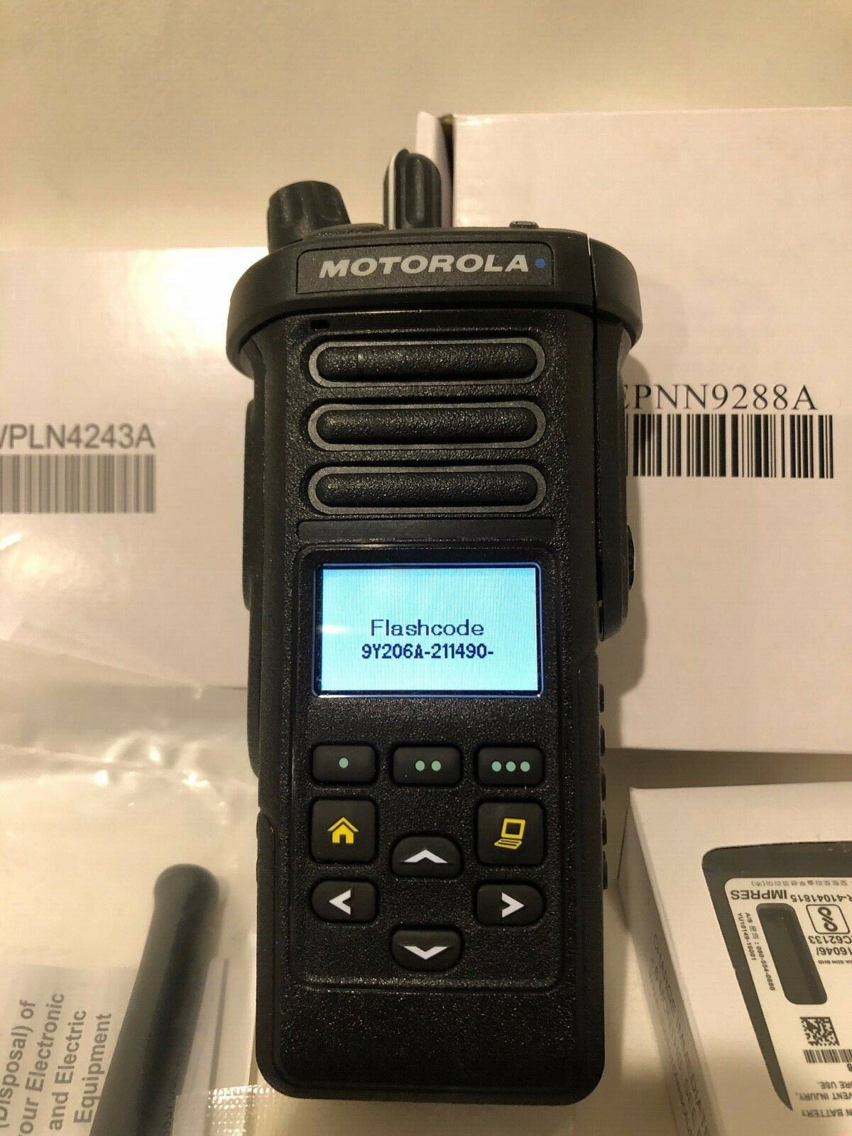 MOTOROLA APX 4000/XE   VHF PHASE 1 & 2 TDMA 2 KNOB. H51KDF9PW6AN.136-174 MHZ HAM. Buy it now for 1195.00