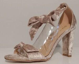 Goodney Nuovo Velvet Sandals 5 Champagne Goodney Qupid Qupid Velvet Champagne 3 Crush Crush Sandals 5 3 qrfzrOIw
