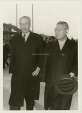 ORIG. photo, primer ministro ikeda y Macmillan 1962