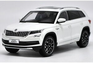 1-18-VW-volkswagen-skoda-kodiaq-SUV-White-DIECAST-Car-Model-Toy-Collection