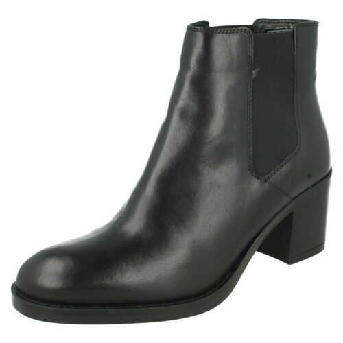 MASCARPONE BAY LADIES CLARKS LEATHER SMART CASUAL CHELSEA HEELED ANKLE BOOTS