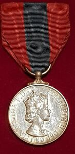 Queen-Elizabeth-II-Imperial-Service-Medal-Complete-in-original-box-with-ribbons