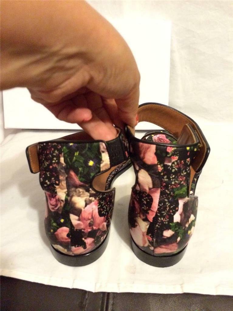 Givenchy Floral rosas Camouflage Leather Leather Leather Ankle Strap Flat Sandals scarpe  870 f6c0b0