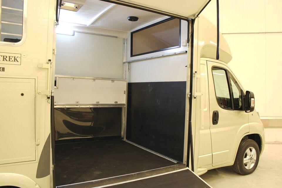 Trailer Peugeot Equi-Trek Atom 2.0 Blue HDI 160 HK...,