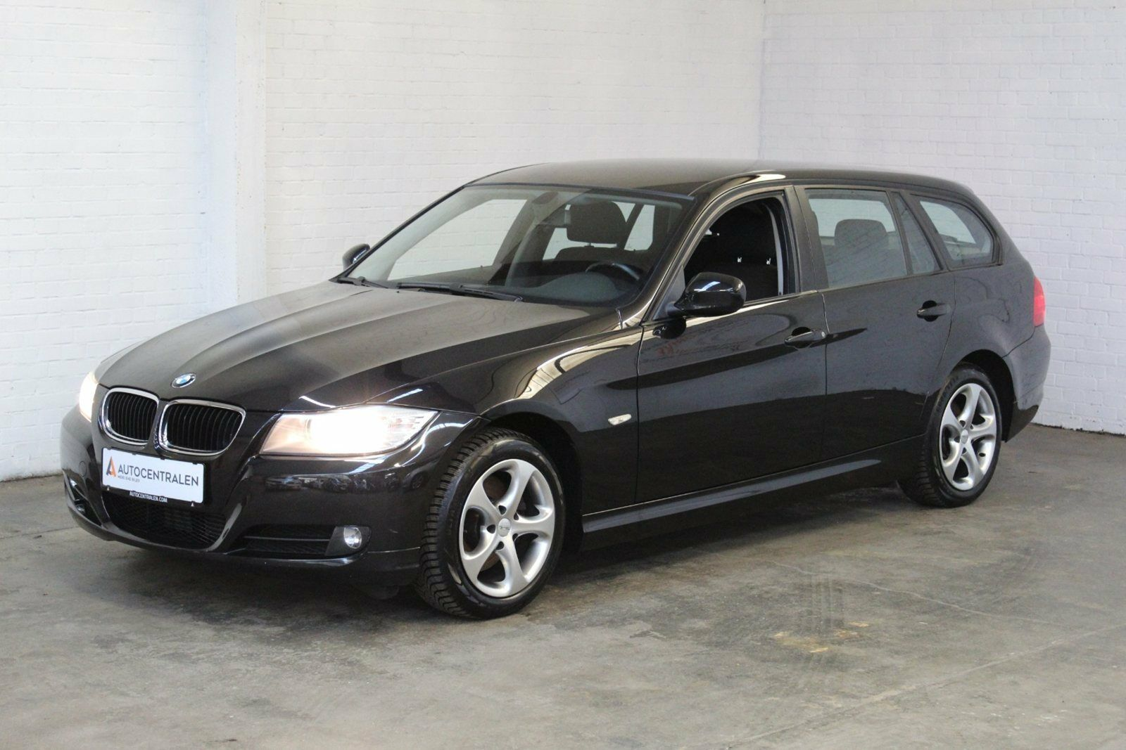 BMW 318d 2,0 Touring 5d - 89.900 kr.