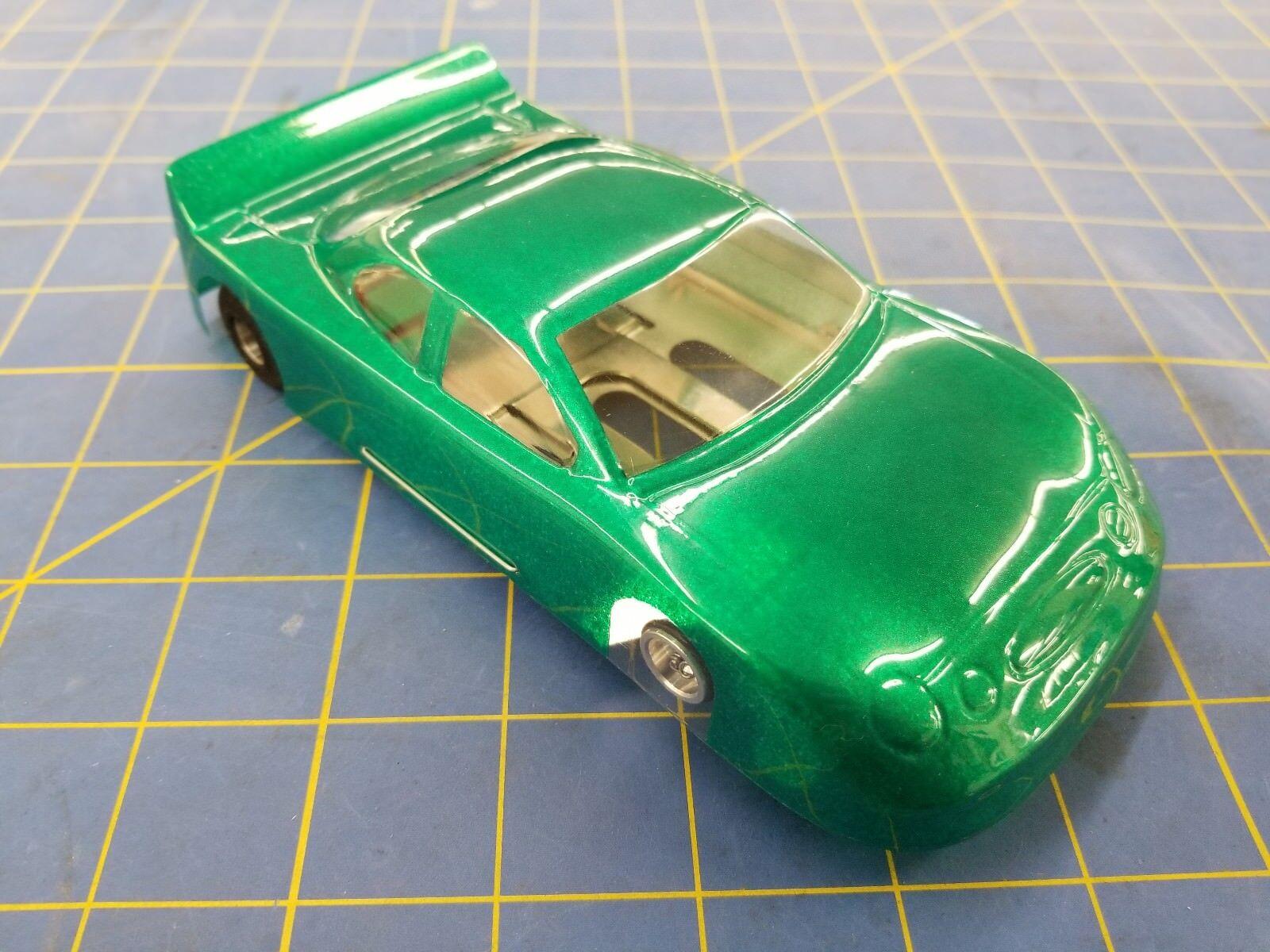 NASCAR Vert JK chettah avec E.T. moteur 1 24 Slot Car Mid America