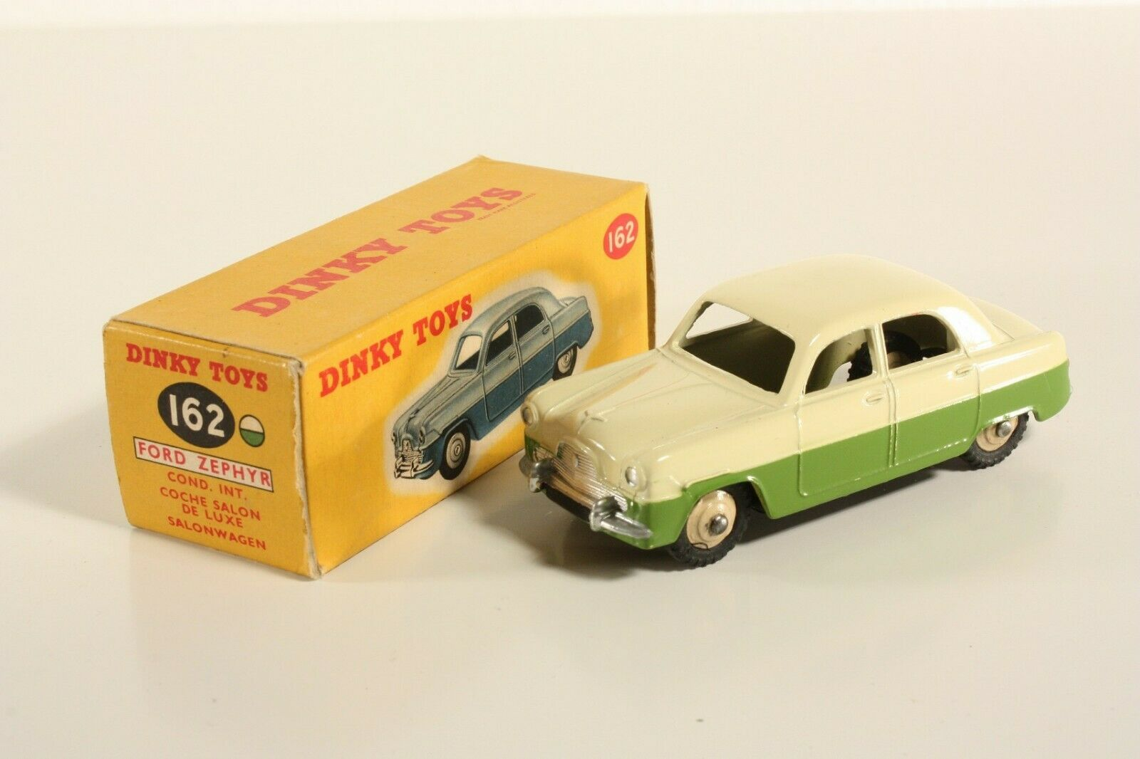 DINKY TOYS 162, Ford Zephyr saloon, Comme neuf Dans Box  ab2211