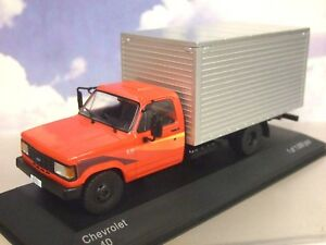 Excellent-WHITEBOX-1-43-1985-CHEVROLET-D-40-D40-BOX-TRUCK-ROUGE-amp-ARGENT-WB267