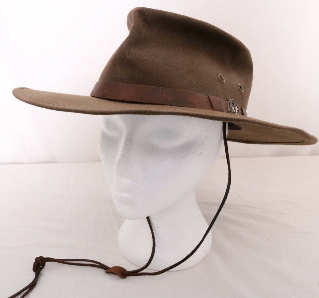 Outback Trading Company Oilskin Chinstrap Leather Band Medallion Cap Kodiak Cap Medallion Hat dec19f