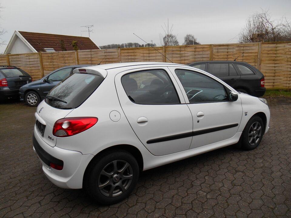 Peugeot 206+ 1,4 HDi 68 Generation+ Diesel modelår 2012 km