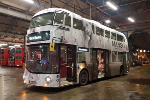 LTZ1533 Borismaster// NBFL 6x4 Quality London Bus /& Coach Photo b Arriva LT533