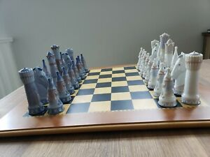 2500-LLADRO-MEDIEVAL-CHESS-SET-6333-with-Board-Both-in-Box-mint-condition